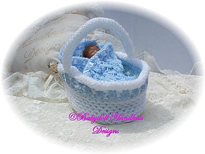 Display Basket 4-5 inch dolls-Basket, pillow, 4