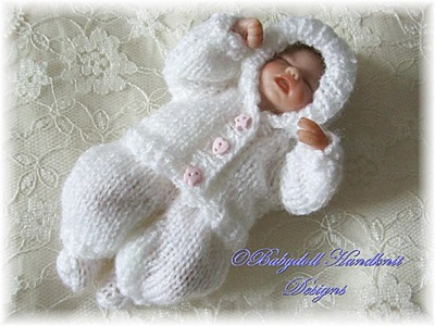 Tiny hooded suit pattern 4-7 inch dolls